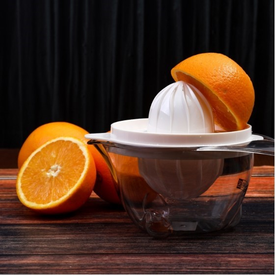 Royalford RF1543CJ Plastic Citrus Manual Juicer, 0.625L