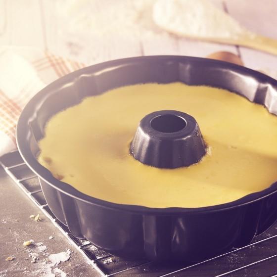 Royalford Bundt Tin - Non-Stick Fluted Ring Cake Pan - 22 cm, Bundt Cake Baking Tin, Ring Cake Tin, Kitchen Baking Equipment, Cake Pan