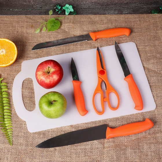 Royalford Stainless Steel 5 Knife Set with Cutting Board